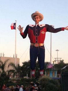 """State Fair of Texas time!!   Big Tex says """"parking sux, they freakin fry anything and the beer is warm...   But it's a freakin blast!!"""""""