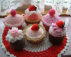 Pink Crochet Cakes by sophiecat91, via Flickr