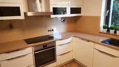 Unsere #Glasrückwände schützen Ihre Wände von Spritzern, Schmutz und Fett.  Die Reinigung erfolgt mit ganz normalen Reinigungsmitteln.  http://www.maasgmbh.com/aktuelle-moenchengladbach-beige-glasrueckwaende-beige-moenchengladbach