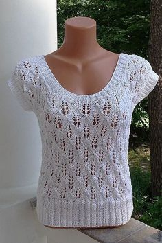 Blouses are simple, but look great - DiyForYou Sweater Knitting Patterns, Lace Knitting, Knitting Stitches, Knit Patterns, Crochet Blouse, Knit Crochet, Blouse En Coton, Summer Knitting, Knit Fashion