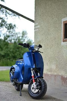 Retro Motorcycle, Motorcycle Design, Vespa Lambretta, Vespa Scooters, Vespa Tuning, Vespa Special, Scooter Garage, Vespa Px 150, Vespa Smallframe