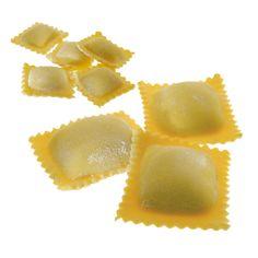 RAVIOLI & RAVIOLI PICCOLI - Pasta fresca all'uovo con ripieno - Cottura: 3 minuti. Ingredienti pasta: semola di grano duro, farina di castagne, uovo, sale. Ingredienti ripieno: ricotta, spinaci, Grana Padano, sale, spezie. #Poggiolini #pasta #pastafresca #ravioli #ricotta #spinaci #Toscana