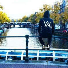 Looking for the Alan Walker Wallpaper? So, Here You Find of DJ Alan Walker Wallpapers for mobile, desktop, android cell phone, and IOS iPhone. Allen Walker, Walker Art, Walker Join, Smile With Your Eyes, Adrien Y Marinette, Swag Boys, Alesso, Acid House, Edm Music