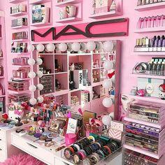 collection Fabulous Makeup Storage Design Ideas To Keep Your Makeup . collection Fabulous Makeup Storage Design Ideas To Keep Your Makeup - makeup - Diy Makeup Organizer, Vanity Organization, Organization Ideas, Storage Ideas, Makeup Storage Hacks, Organization Station, Make Up Kits, Makeup Vanities, Rangement Makeup