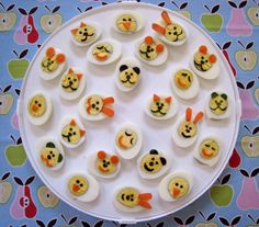 How to make boiled egg faces tutorial Cute Food, Good Food, Funny Food, Bento Recipes, Bento Ideas, Lunch Ideas, Whats For Lunch, Edible Food, How To Eat Better