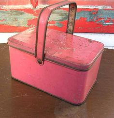 1940's Small child size pink tin lunch box--I just love the pink color!