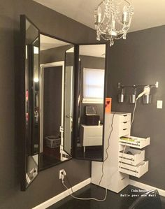 Home based beauty salon ideas simple beauty salon decor ideas for best images about on in . home based beauty salon Rangement Makeup, Vanity Room, Diy Vanity, Corner Vanity, Ikea Makeup Vanity, Mirror Room, Makeup Vanities, Vanity Mirrors, Dresser Mirror