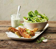 Avocados einmal anders: Paniert und knusprig gebraten. Low Carb, Cooking, Vegetarische Rezepte, Salads, Finger Food, Lettuce, Paleo Recipes, Meals, Low Carb Recipes