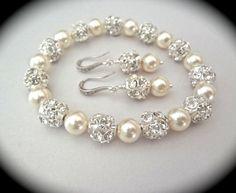 Pearl Bracelet and earring set // Chunky // by QueenMeJewelryLLC, $67.99