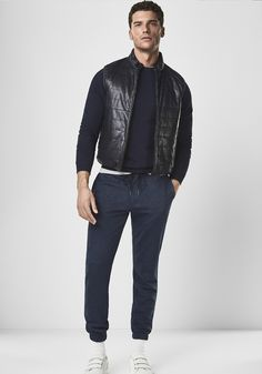 Nice style in joggers by Massimo Dutti