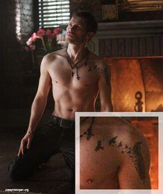 Joseph Morgan's tattoo Meanings and Photos Joseph Morgan (Josh) plays Klaus Mikaelson On The vampire diaries and now The Originals Tattoos Arm Mann, Arm Tattoos For Guys, Trendy Tattoos, Leg Tattoos, Tatoos, Verse Tattoos, Joseph Morgan, Vampire Diaries, Delena