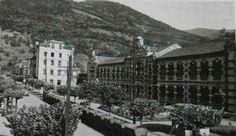 El tren del Peñón,por delante Liceo en 1950.