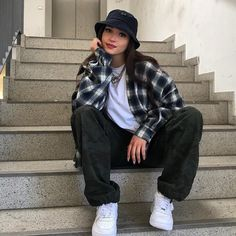 Boyish Outfits, Chic Black Outfits, Indie Outfits, Retro Outfits, Cute Casual Outfits, Fashion Outfits, Women's Casual, T Shirt Streetwear, Streetwear Fashion
