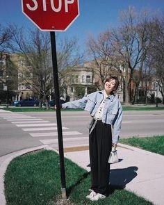 Korean Outfit Street Styles, Korean Street Fashion, Korea Fashion, Korean Outfits, Teen Fashion Outfits, Cool Outfits, Girl Fashion, Girl Photo Poses, Girl Photography Poses