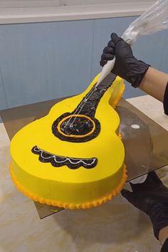 Amazing Cakes Art 😍 Creative ideas about decorating the cakes. Cake Decorating Techniques, Cake Decorating Tutorials, Cookie Decorating, Cake Decorating Amazing, Decorating Cakes, Decorating Ideas, Creative Cakes, Creative Ideas, Cake Hacks