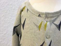 Wie man ein Shirt in einen Cardigan umwandelt » BERNINA Blog Pullover, Men Sweater, Sweaters, Blog, Ursula, Computer, Fashion, Fashion Styles, Sew Simple