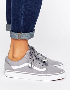 Classic Old Skool Trainers in grey - Vans. Spring Sandals Shoes for Spring Cute shoes casual womens shoes kitten heel casual shoe everyday shoes sneakers white Best Sneakers, Sneakers Fashion, Shoes Sneakers, Tomboy Fashion, Vans Grey Shoes, Vans Suede, Girl Fashion, Grey Sneakers, Girls Shoes