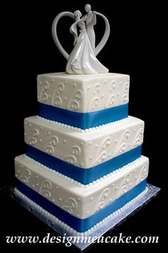 simple blue and white wedding cake
