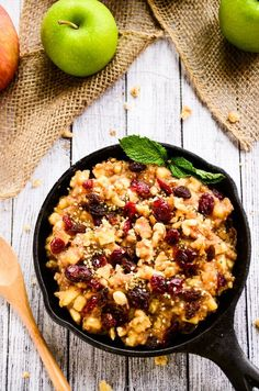 Raw Apple-Cinnamon and Chia Breakfast Bowl #vegan #glutenfree #paleo