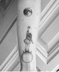 High quality minimalist tattoos by the surrealist violeta arus quality . - High quality minimalist tattoos by the surrealist violeta arus quality - Mini Tattoos, Body Art Tattoos, Small Tattoos, Sleeve Tattoos, Cool Tattoos, Tatoos, Paris Tattoo, Delicate Tattoo, Subtle Tattoos