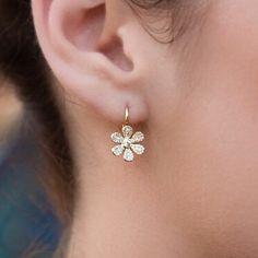 Diamond Flower Earring annesisteron