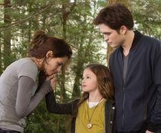 Bella, Renesmee & Edward - The Twilight Saga: Breaking Dawn Part 2