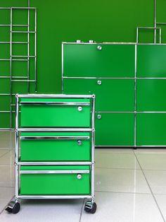 USM Haller pedestal and USM Haller sideboard in USM green. Exhibition at Brandt Büroplanung und Einrichtung GmbH, St. Wendel, Germany. http://www.usm.com