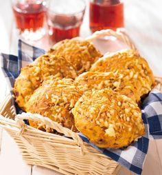 Gebäck mit Röstzwiebeln und Käse