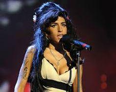 AMY WINEHOUSE Amy Winehouse, Stage Outfits, Wonder Woman, Superhero, Fictional Characters, Women, Fantasy Characters, Wonder Women, Woman