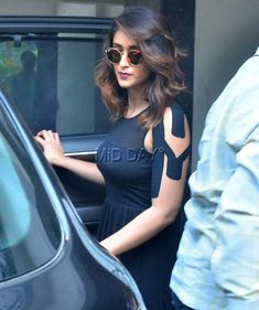 Ileana D'cruz spotted in Bandra : Photos: Ileana D'Cruz spotted in Bandra
