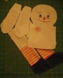 Making Raggedy Ann & Andy Dolls YES! I have a pattern, with no instructions, so now I'm saved