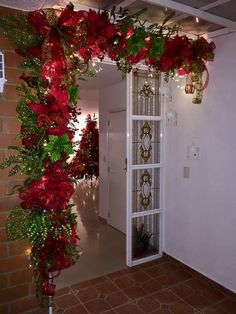 1 million+ Stunning Free Images to Use Anywhere Christmas Decorations For The Home, Christmas Swags, Xmas Decorations, Christmas Themes, Christmas Diy, Holiday Decor, Christmas Floral Arrangements, Free Images, Diy Christmas Wreaths