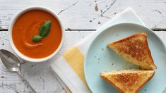 Perfecting Grilled Cheese and Tomato Soup- Everyday Food with Sarah Carey Healthy Grilling Recipes, Grilled Steak Recipes, Healthy Snacks, Sarah Carey, Perfect Grilled Cheese, Sandwiches, Tacos, Paleo, Carne Asada