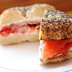 Bagels au saumon et crème de tomates