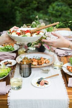 57 Best Ideas Backyard Party Menu Tips Fresco, Chilled Beer, Glass Dispenser, Citronella Candles, Food Tent, Healthy Menu, Summer Barbecue, Backyard Bbq, Wedding Catering