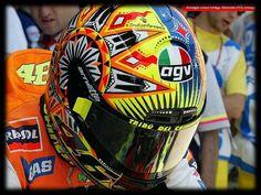 2002 : Valentino Rossi rarely seen helmet Valentino Rossi Helmet, Valentino Rossi 46, Custom Motorcycle Helmets, Racing Motorcycles, Vr46, Helmet Design, Road Racing, Color Swatches, Sport Bikes