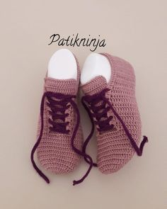 Image may contain: shoes Free Crochet Bootie Patterns, Fingerless Gloves Crochet Pattern, Gilet Crochet, Crochet Slipper Pattern, Crochet Ripple, Crochet Baby Shoes, Knitted Slippers, Crochet Slippers, Baby Knitting Patterns