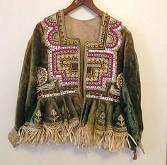vintage velvet embroidered jacket - 1967-76, seller picked it up at swap meet, doesn't know origins