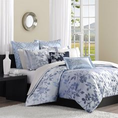 Bring a stylish, casual look to your bedroom decor with this seven-piece Madison Park Charlotte duvet cover set. Garland is woven with an ombre effect and a beautiful floral design decorates this duvet cover set. Queen Size Comforter Sets, Duvet Bedding Sets, Bed Duvet Covers, Duvet Cover Sets, Comforters, Floral Comforter, Kohls Bedding, Floral Bedspread, Dorm Bedding