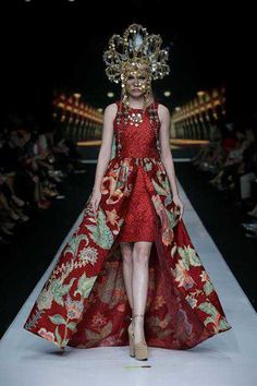 Couture Headpieces by Oscar Daniel  for Parang Kencana, Jakarta Fashion Week 2013.