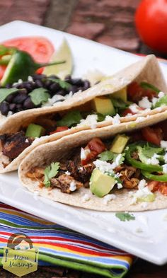 Slow Cooker Pork Carnitas Tacos (Mexican Pulled Pork) - #slowcooker #lowcarb #diabeticfriendly #glutenfree #tacotuesday #Mexican #stepbystep