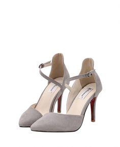 Point-toe Buckled Soild-tone Sandals