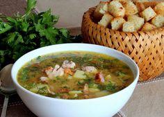 Ingrediente pentru 4 portii : 750g costită afumată, 150 gr kaiser, 2morcovi, 3 cartofi, orădăcină de telină, o ceapă mare, un ardei gras, 3 rosii, o legătură de pătrunjel, 3 fire de leustean, 4 fire de mărar, sare si piper după gust, 150ml bors. Modalitate de preparare Se curătă legumele, se spală si se taie mărunt. Rosiile se spală, si se taie in cubulete mici. Costita si kaiserul se portionează in fuctie de dorinta fiecăruia, in bucăti mai mari sau mai mici. Intr-o oală se pune la…