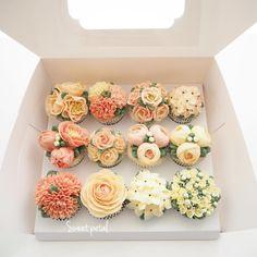 Repost sweetpetalcake Flower cupcake set