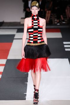 Alexander McQueen Spring 2014 RTW - Runway Photos - Fashion Week - Runway, Fashion Shows and Collections - Vogue