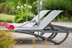 "Accueil ""VIP"" tout au long de la journée... - Marie Laurence Cattoire relations presse Outdoor Furniture, Outdoor Decor, Sun Lounger, Laurence, Relaxation, Marie, Home Decor, Collection, Gardens"