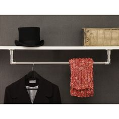 Garderobenstange aus Edelstahl als Deckenmontage