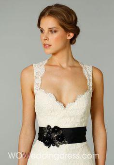 Trumpet Sweetheart Court Train Wedding Dress