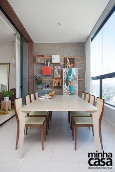 Mesa de jantar na varanda