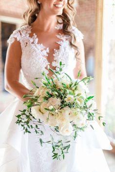 real wedding photo hummingbird nest ranch hovik harutyunyan events armenian wedding bridal bouquet white rose greenery Wedding Bride, Wedding Gowns, Armenian Wedding, Wedding Bouquets, White Bouquets, Greenery, Real Weddings, Wedding Planning, Italy Images